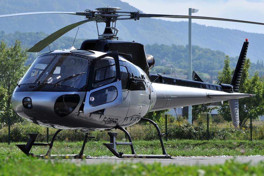 Elicottero 7 Posti : Elicottero as b posti auto sposi napoli
